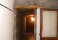 arte-antica-del-sasso-realizzazione-cantina-per-la-conservazione-del-vino-rivestita-in-sasso-con-volte-in-mattoni-a-vista-01jpg