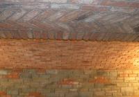 arte-antica-del-sasso-realizzazione-cantina-per-la-conservazione-del-vino-rivestita-in-sasso-con-volte-in-mattoni-a-vista-06jpg