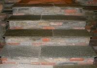 arte-antica-del-sasso-realizzazione-cantina-per-la-conservazione-del-vino-rivestita-in-sasso-con-volte-in-mattoni-a-vista-09jpg
