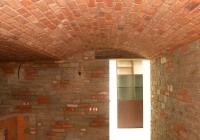 arte-antica-del-sasso-realizzazione-cantina-per-la-conservazione-del-vino-rivestita-in-sasso-con-volte-in-mattoni-a-vista-14jpg