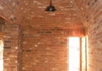 arte-antica-del-sasso-realizzazione-corridoio-con-cupole-e-arcate-rivestito-con-mattoni-a-vista-07jpg