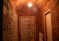 arte-antica-del-sasso-realizzazione-corridoio-con-cupole-e-arcate-rivestito-con-mattoni-a-vista-12jpg