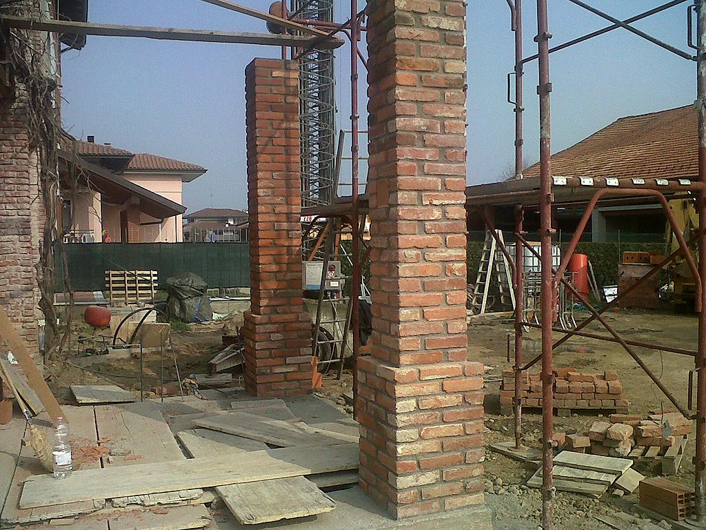 Lavori in pietra e mattoni affordable pareti in pietra for Costo per costruire pilastri di pietra